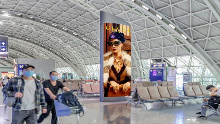 成都双流天府国际机场高铁登机牌灯箱数码LED电子广告公司